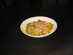 Salata de ton cu porumb si masline