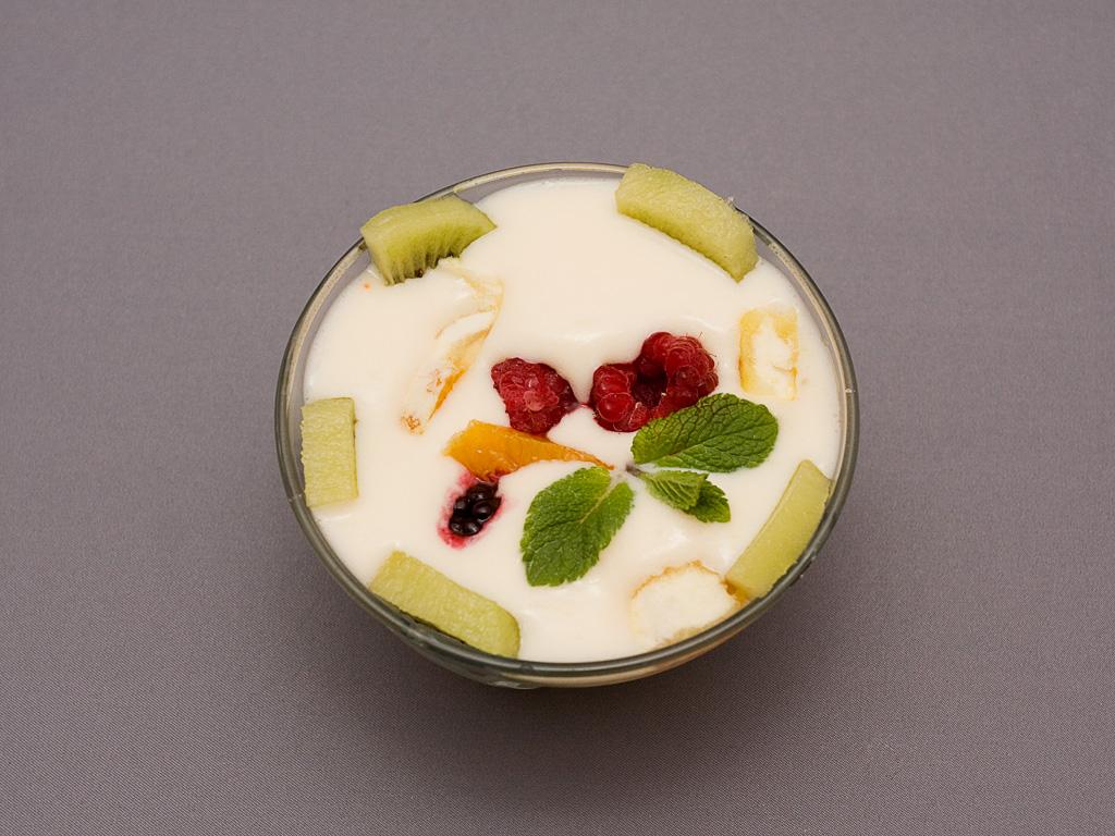 budinca cu fructe