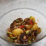 Salată de legume coapte cu roșii cherry