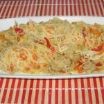 Legume la wok cu curry și tăiței de orez