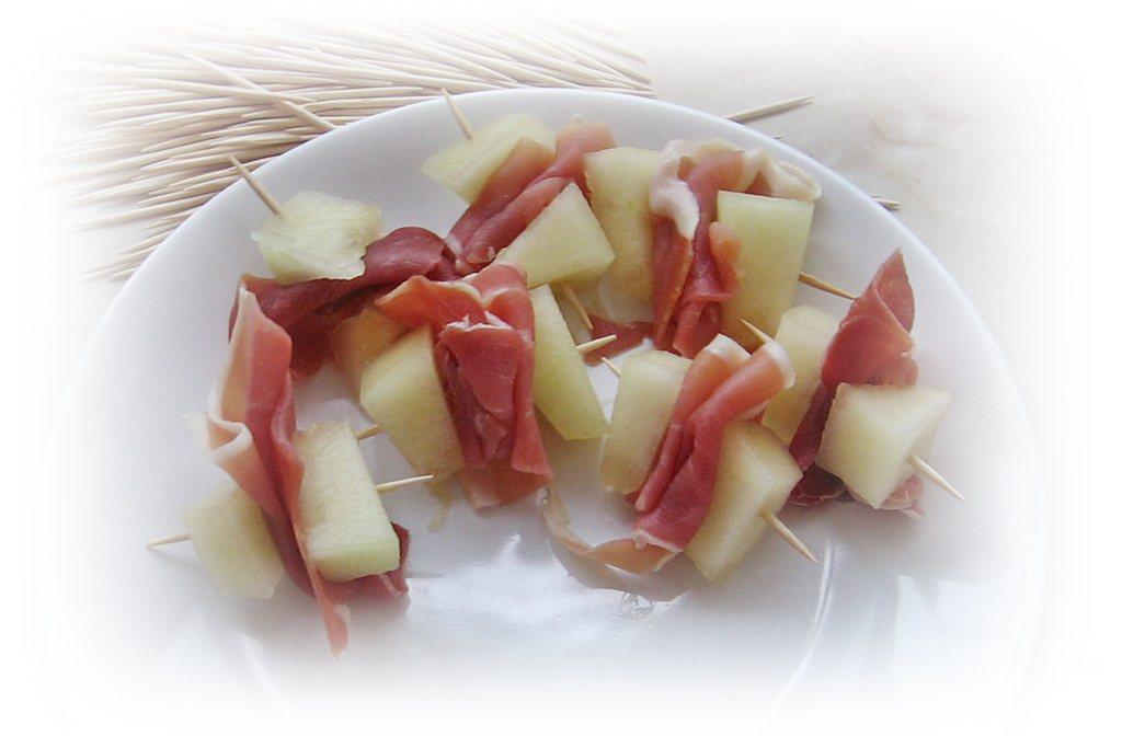 Prosciutto si pepene galben - aperitiv italian