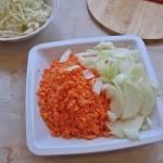 Varza, morcov si ceapa pentru Wok