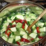 Preparare ciorba de dovlecei cu ciuperci