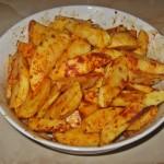Cartofi wedges cu boia dulce