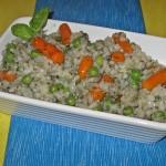 Orez cu mazare si morcovi intregi