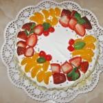 Tort cu frisca si fructe – tort aniversar