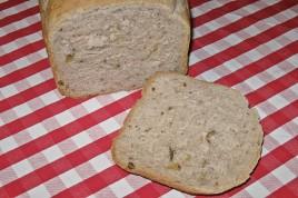 Pâine cu nuci la aparatul de pâine
