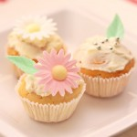 Cupcakes de lamaie cu glazura mascarpone