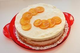 Tort cu mousse de portocale si blat cu coaja de portocale