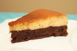 Tort cu crema de zahar ars si blat de ciocolata