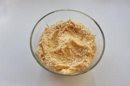 Pasta de naut cu seminte de susan