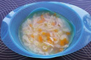 Supa din piept de pui cu paste